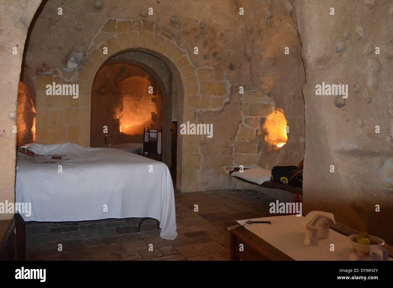 Matera,l'une des plus anciennes civilisations de l'Italie, ils vivaient comme dans trogladytes authenicated grottes.Celui-ci pour le confort. Photo Stock