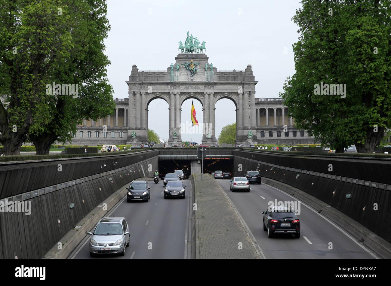 L'Arc de Triomphe.Parc du Cinquantenaire.Le Parc du Cinquantenaire.ou le Parc du Cinquantenaire.public parc urbain à Bruxelles.Belgique. Photo Stock