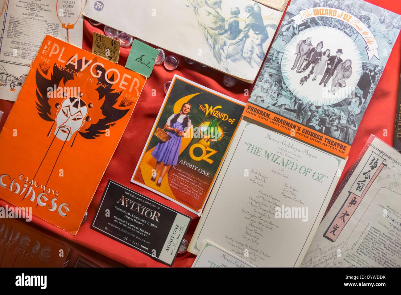 CA LA Californie Los Angeles Hollywood Boulevard cinéma Grauman's Chinese Theatre TCL cinéma théâtre historique monument playbill Wizard of Oz e Photo Stock