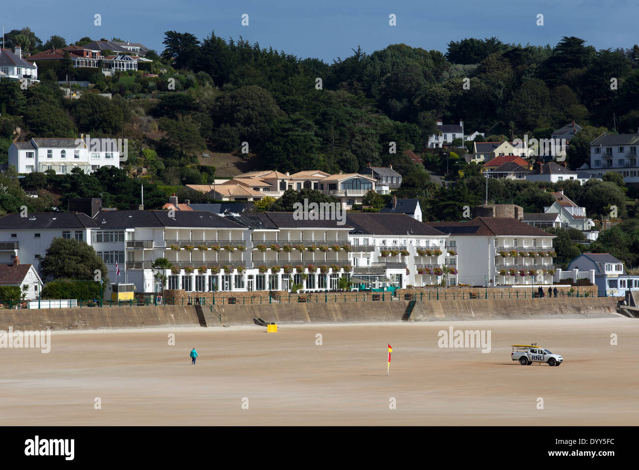St Brelade's Bay & Beach L'Horizon Hotel & Spa Photo Stock