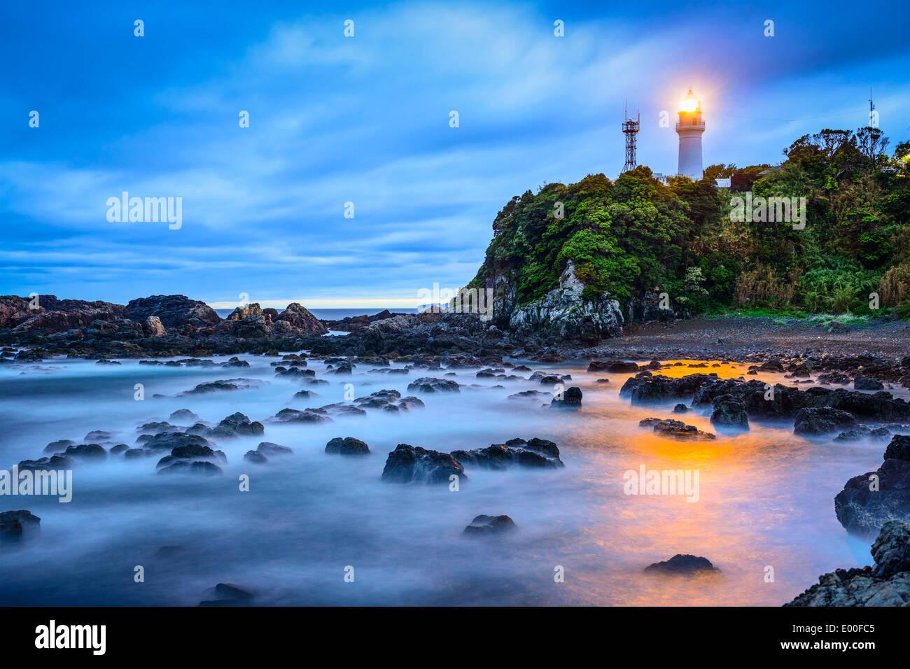 Shionomisaki Kushimoto, cap, au Japon. La marque le point le plus au sud de Honshu, l'île principale du Japon. Banque D'Images