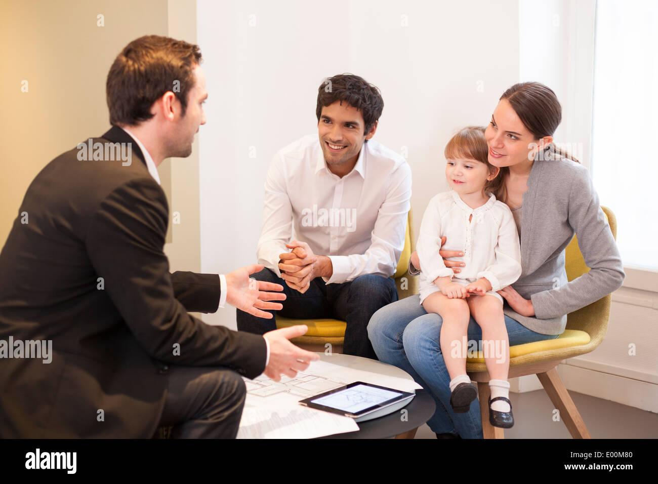 Chambre enfants couple conseiller en placement Photo Stock