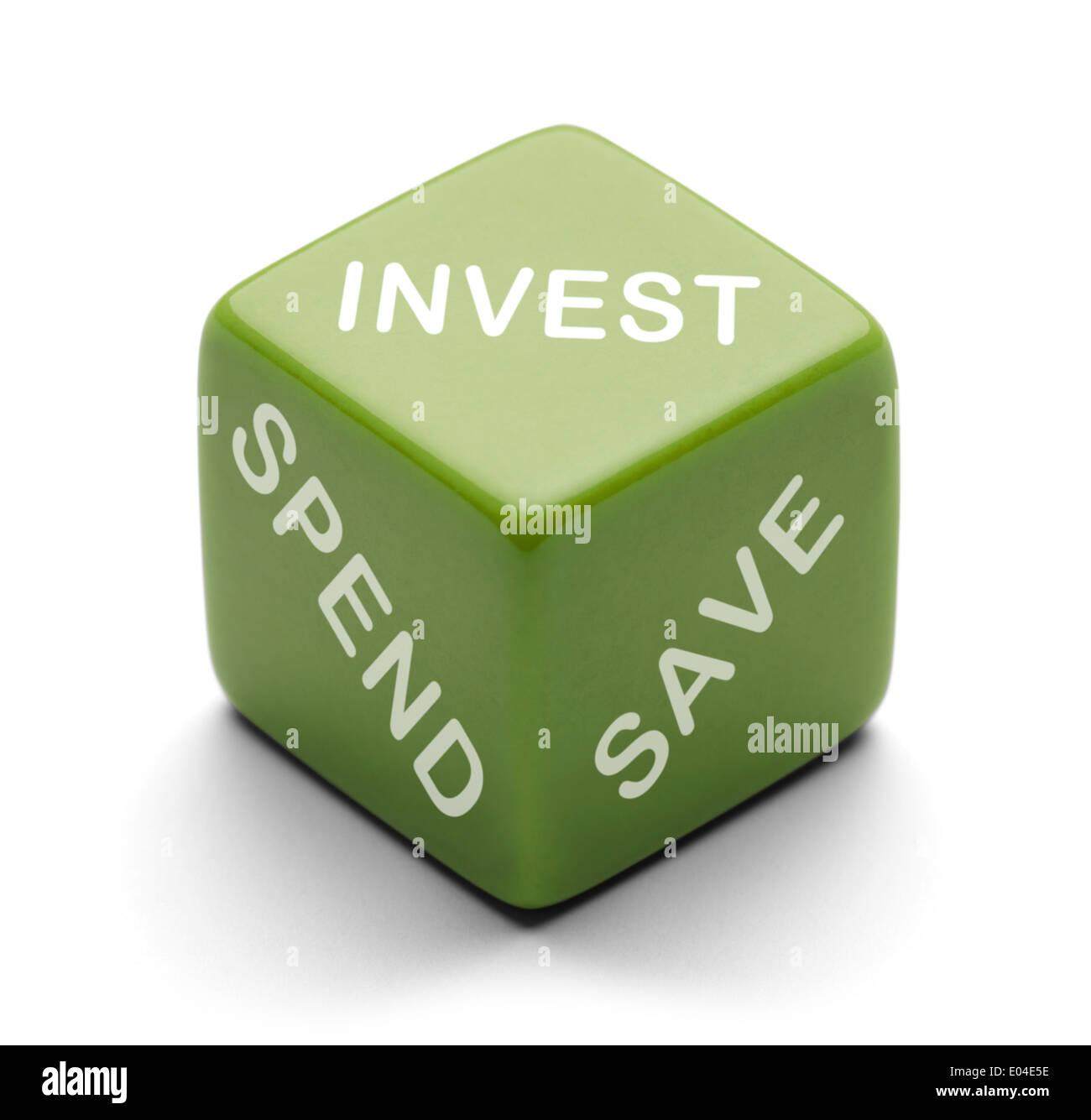 Dés vert avec mots Investir, dépenser et économiser de l'isolé sur fond blanc. Photo Stock