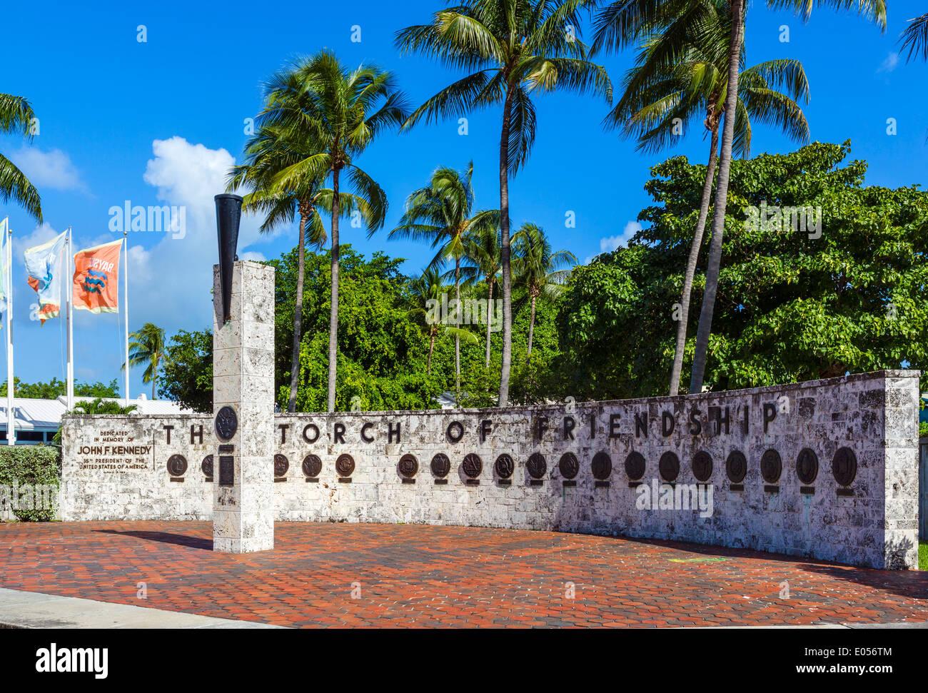 Le John F. Kennedy Memorial Flambeau de l'Amitié, Bayfront Park, Biscayne Boulevard, Miami, Floride, USA Photo Stock