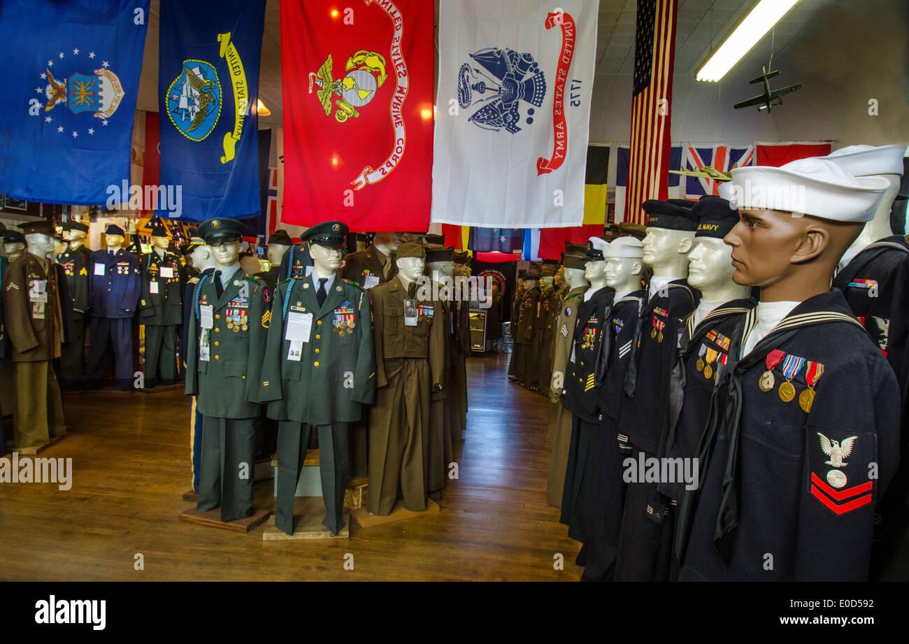 Exposition de statues de divers militaires américains dans la Route 66 Hall of Fame and Museum de Pontiac, Illinois, Banque D'Images