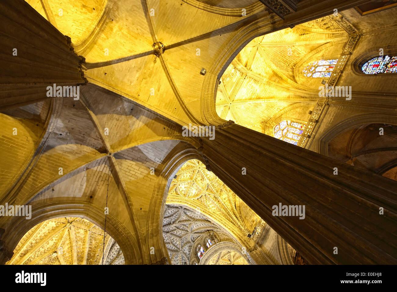 Détail du plafond et des colonnes, la Cathédrale de Séville, Séville, Espagne Photo Stock