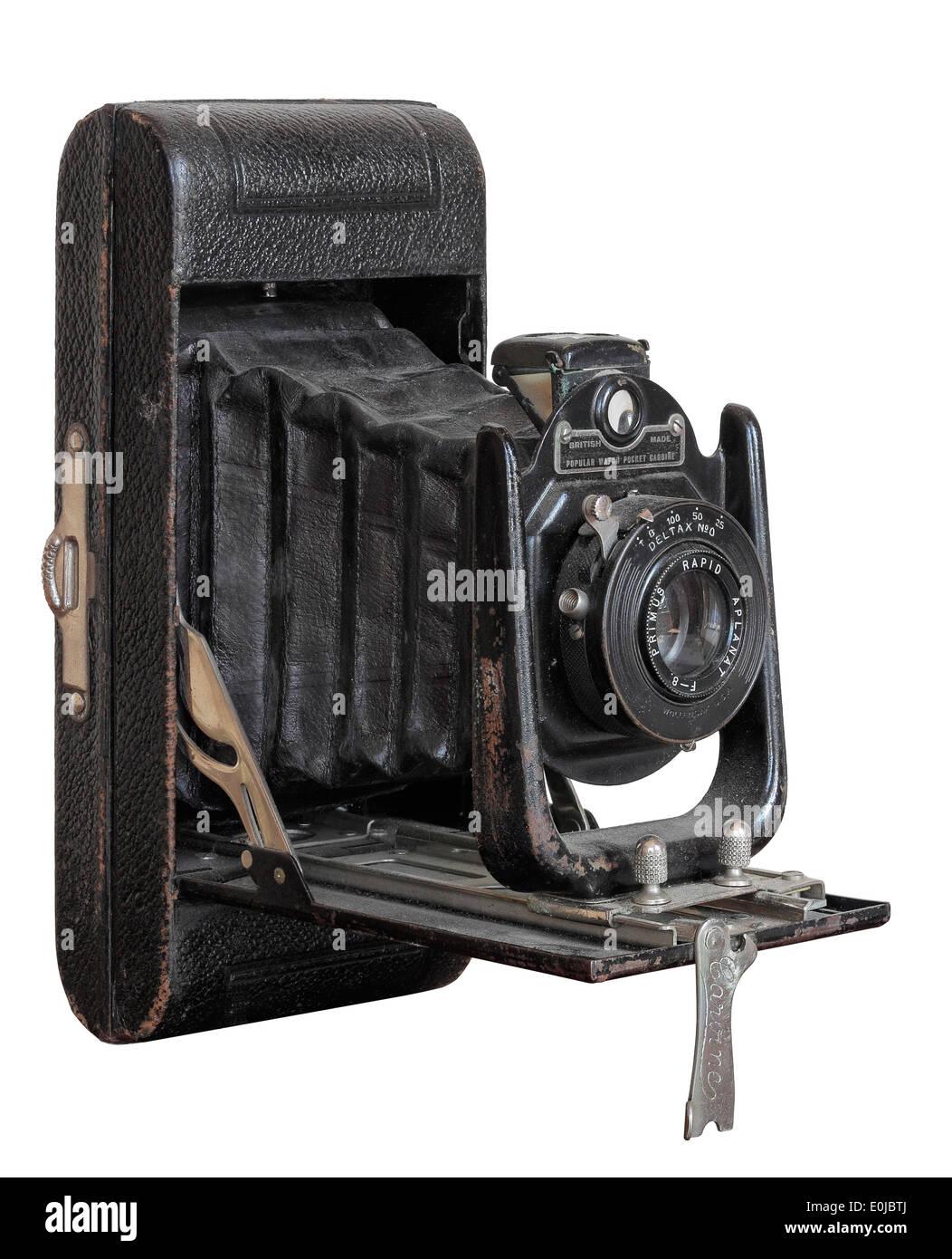 Appareil photo ancien isolé sur fond blanc Banque D'Images