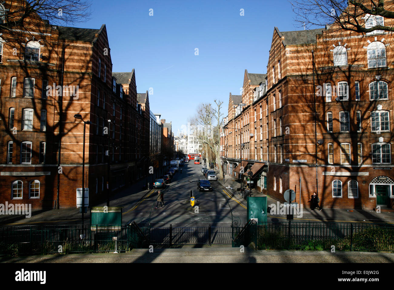 Vue vers le bas de l'Avenue Calvert Jardins limitrophes, Arnold Circus, Shoreditch, London, UK Photo Stock