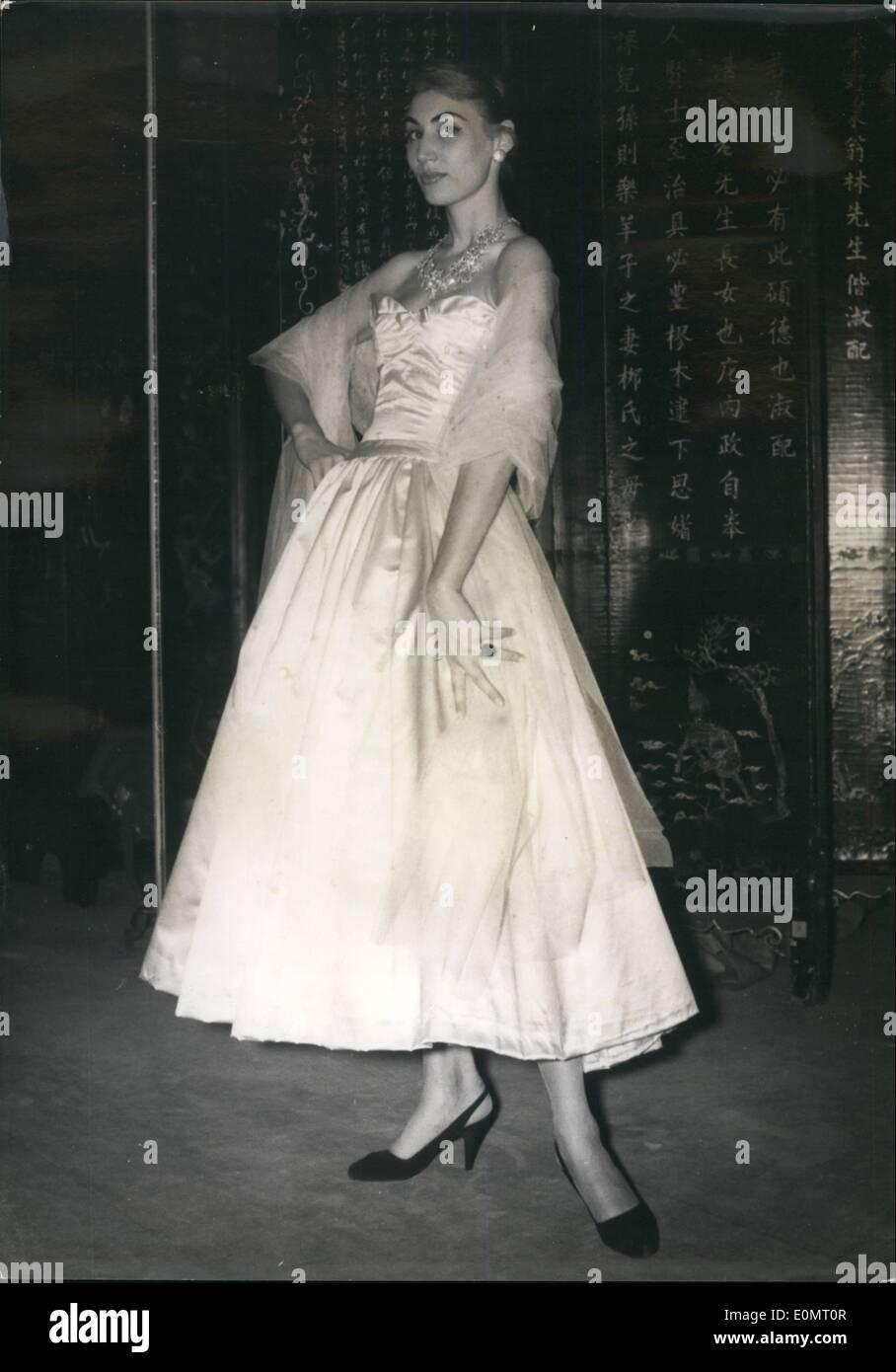 08 août 1956 - haute couture Chanel défie date de sortie     No date 408e53a114c