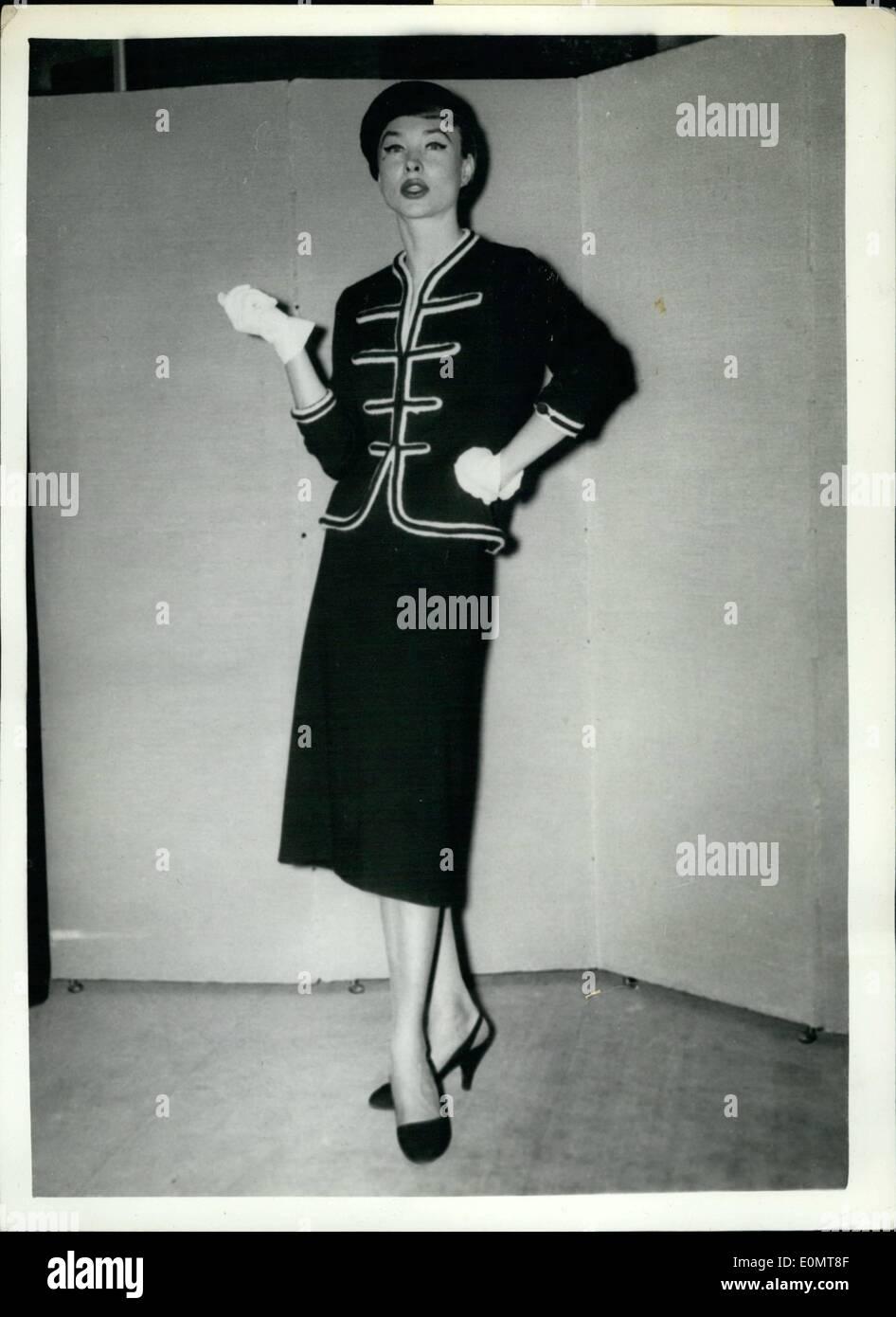 08 août 1956 - Nouveau Style d Automne à Paris. Bleu marine - Sur d6f8d02142a