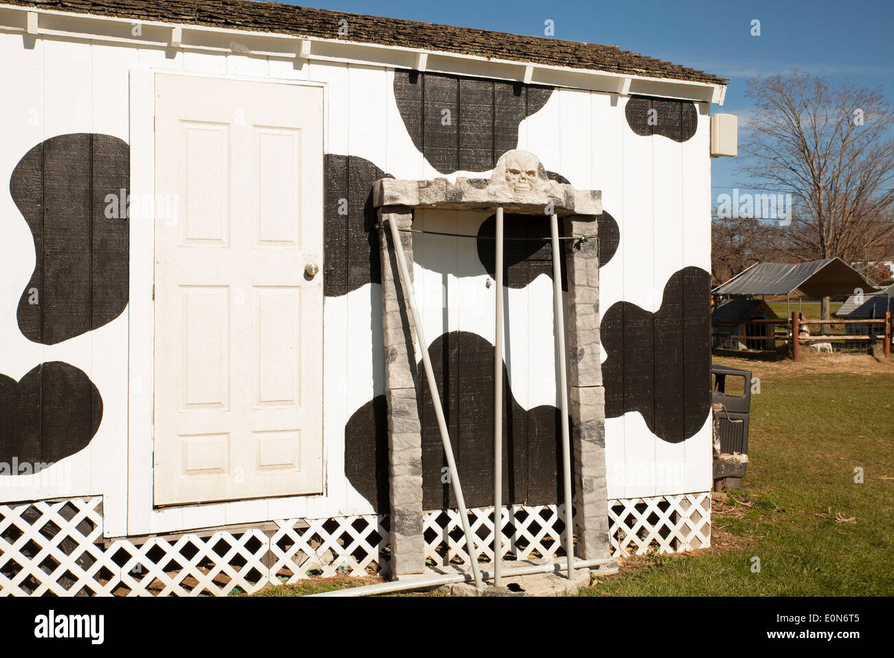 Une Nouvelle Angleterre stand de crème glacée, peint avec des taches ...