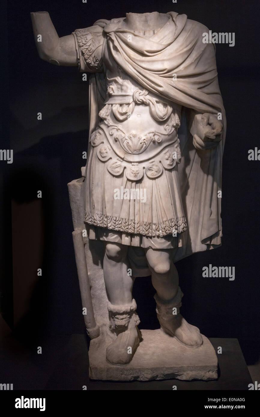 Statue sans tête d'empereur romain, Musée National de Rome, Museo Nazionale Romano, Palais Massimo alle Terme, Rome, Italie Photo Stock
