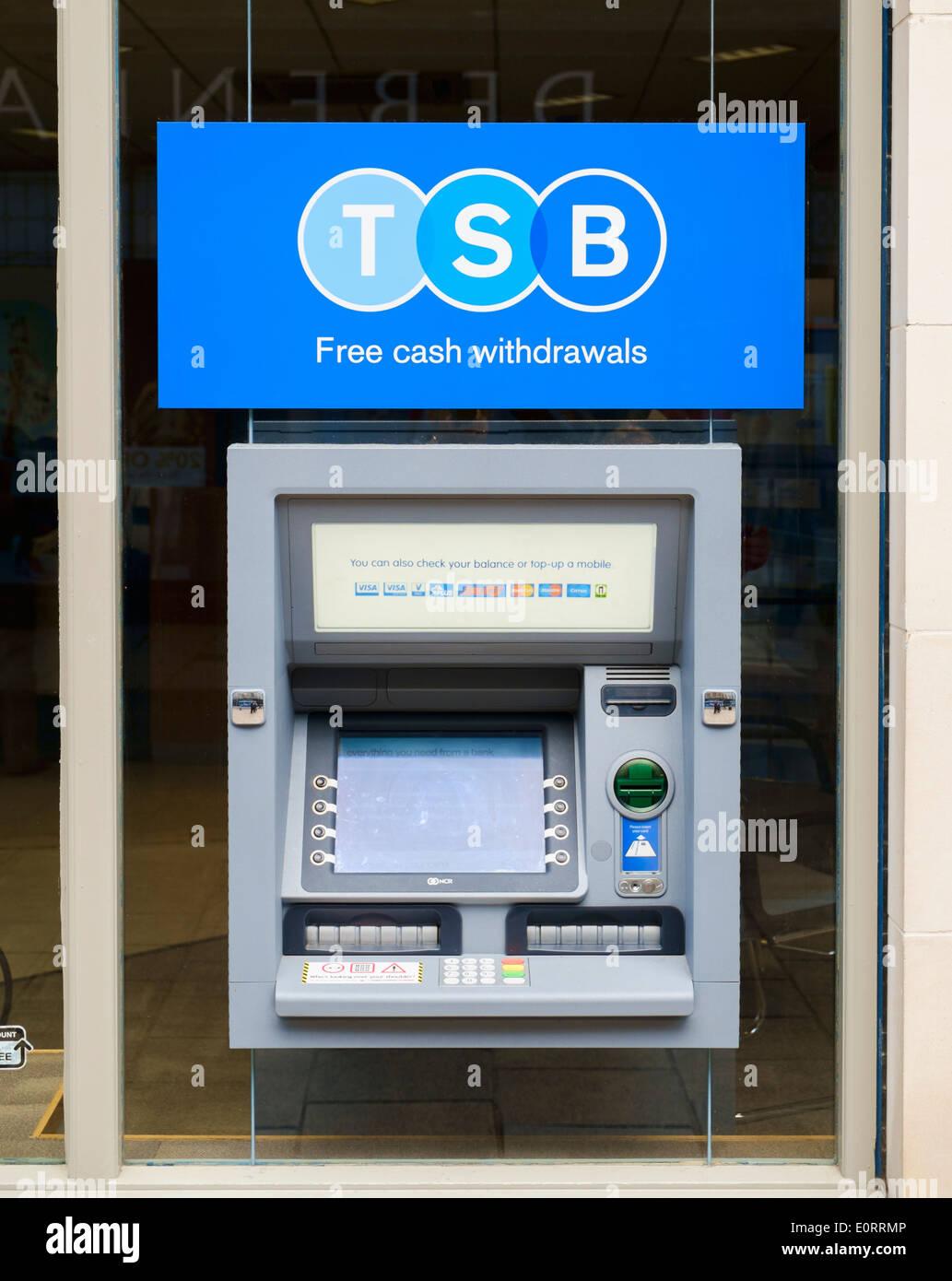 Distributeur de billets de la banque ATM DU BST, UK Photo Stock