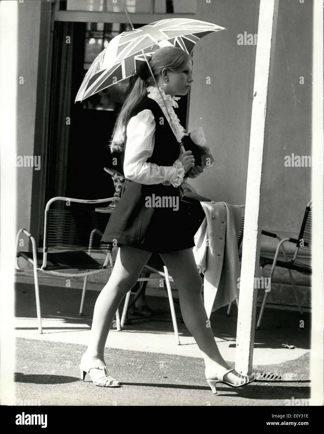 Juin 12, 1968 - 12 juin 1968 Fashion Garden party au Club de Hurlingham - La première fashion garden party a eu Banque D'Images