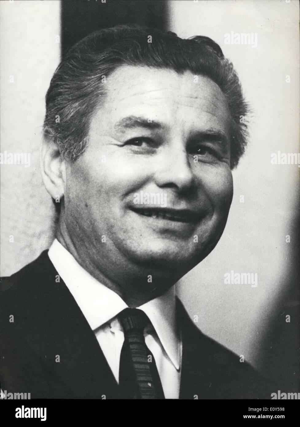 11 novembre 1968 - OTA Sik de lex-Ministre de l'économie du gouvernement Dubech - il est en exil en Suisse Photo Stock