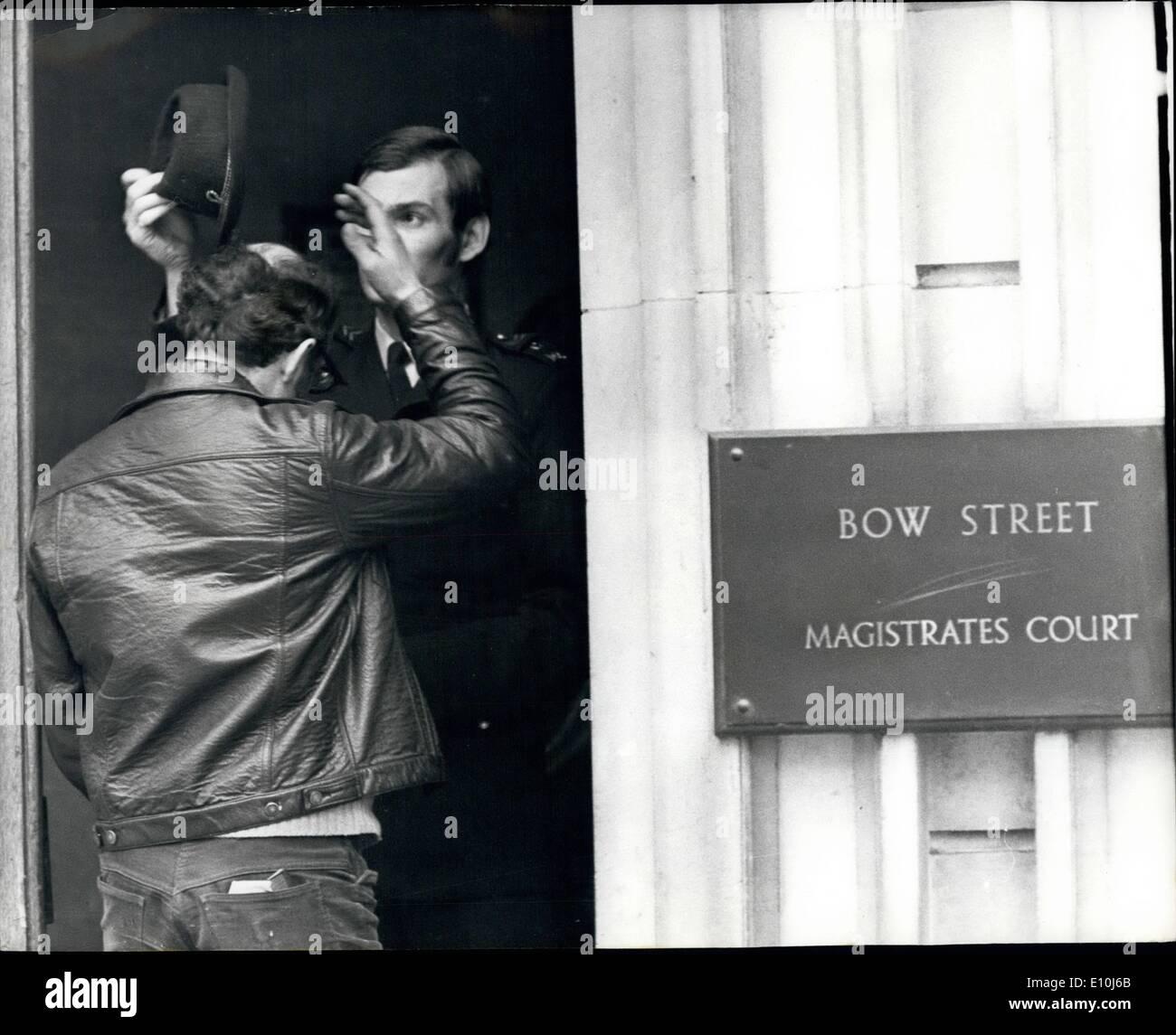 5bfb98bed04e Mar. 03, 1973 - PRÉCAUTIONS À BOW STREET COUR.. Précautions de sécurité