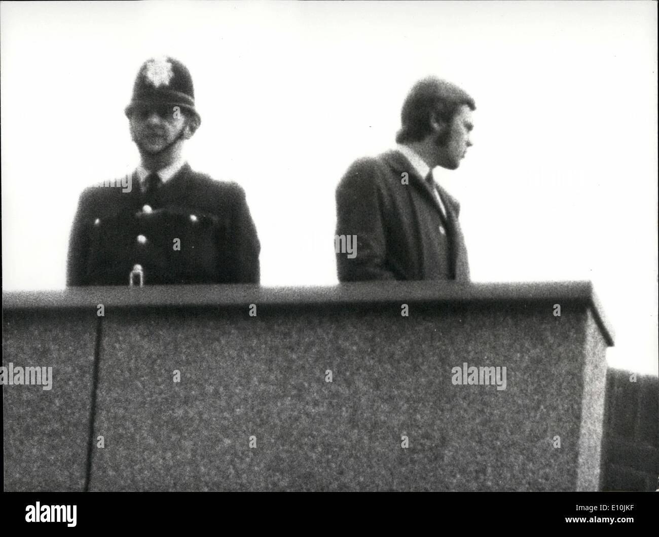 a76b371ef5da Mar. 03, 1973 - Précautions à Bow Street   Cour de sécurité normales ont