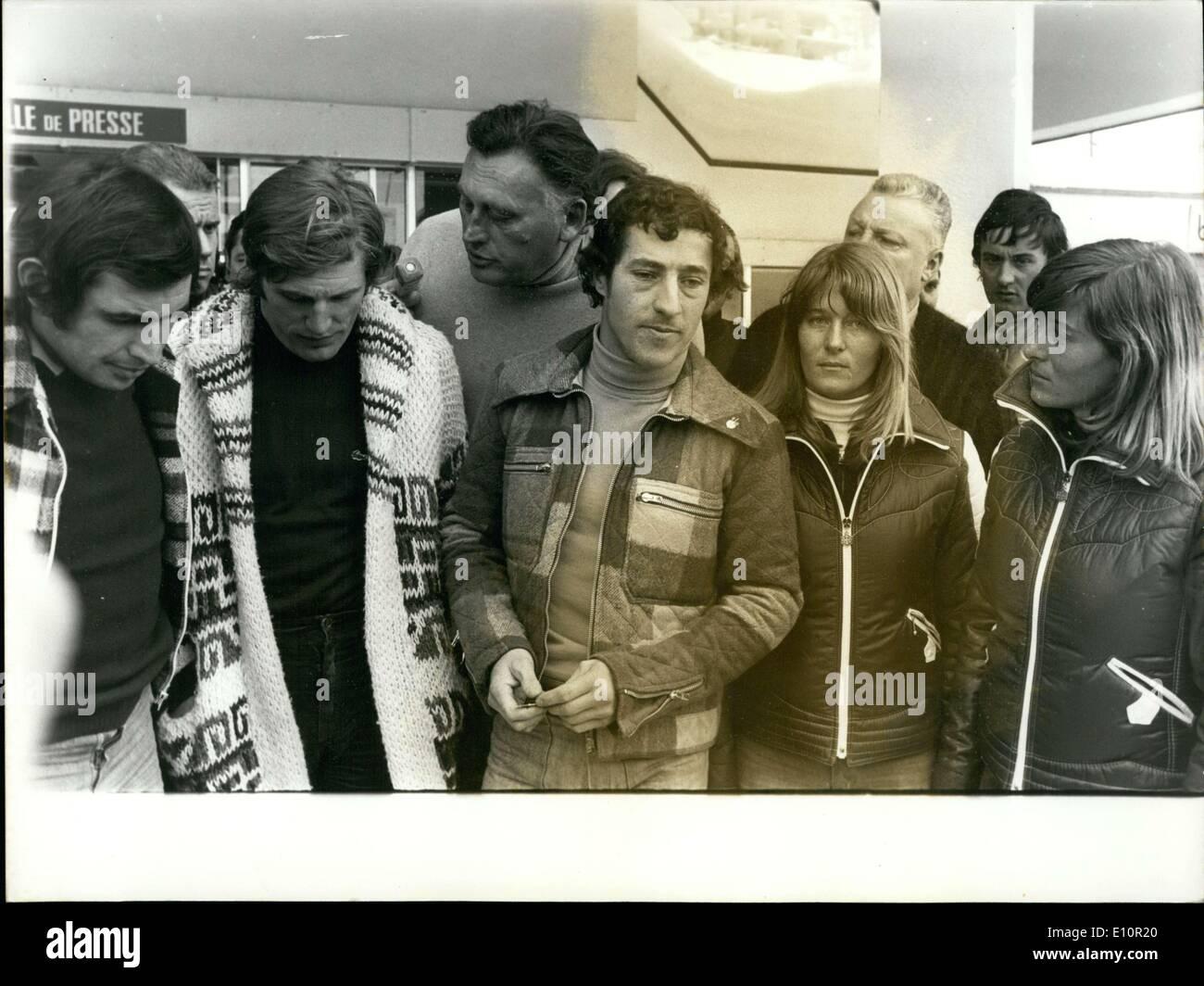 10 décembre 1973 - Dans une tentative de résoudre la crise qui s'est  produit à la fin de la semaine dans l'Isère, les dirigeants exclus de six  skieurs de l'équipe de France :