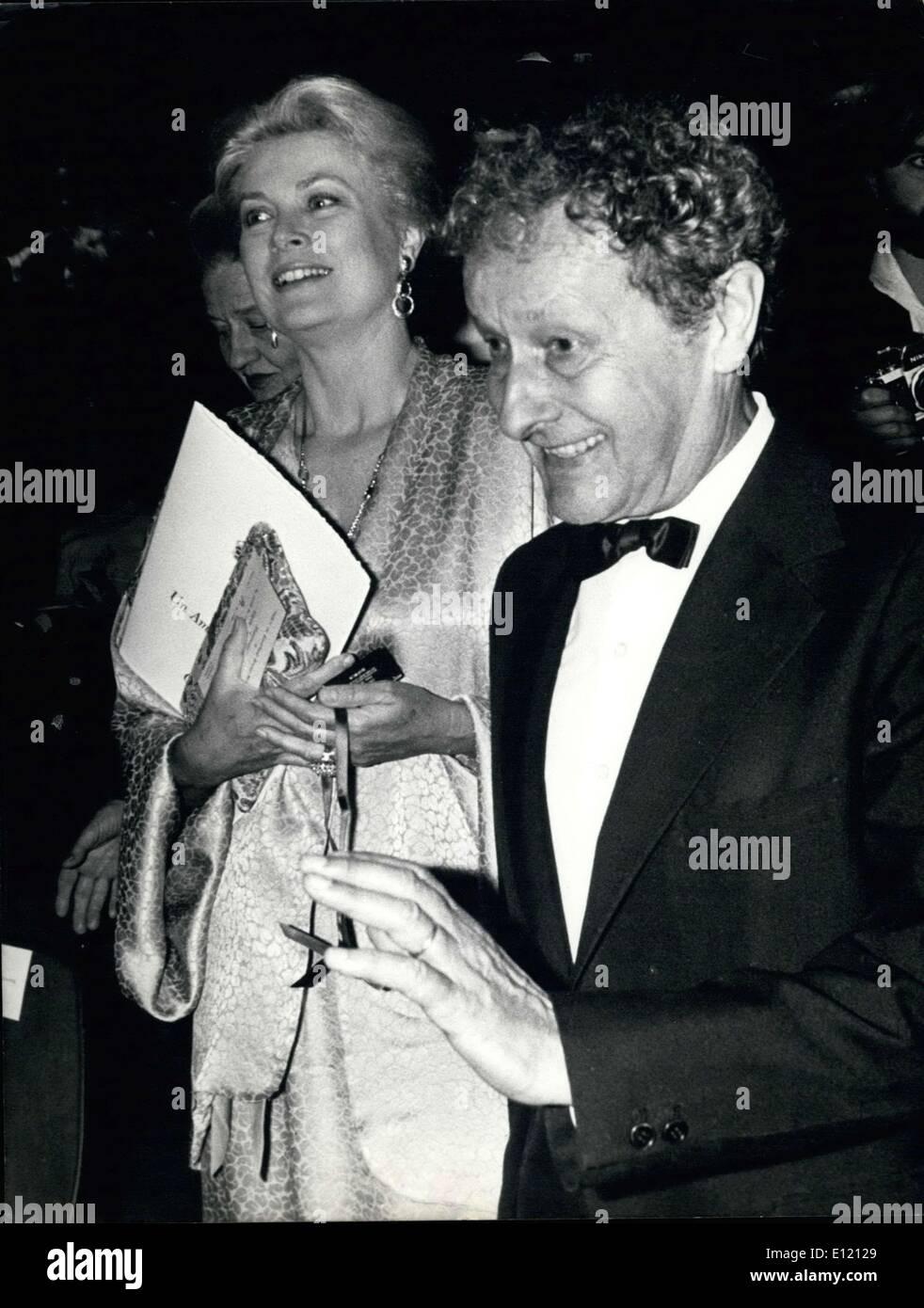 7b12227368 Septembre 18, 1981 - La Princesse Grace de Monaco et Jean-Louis Barrault  Photo