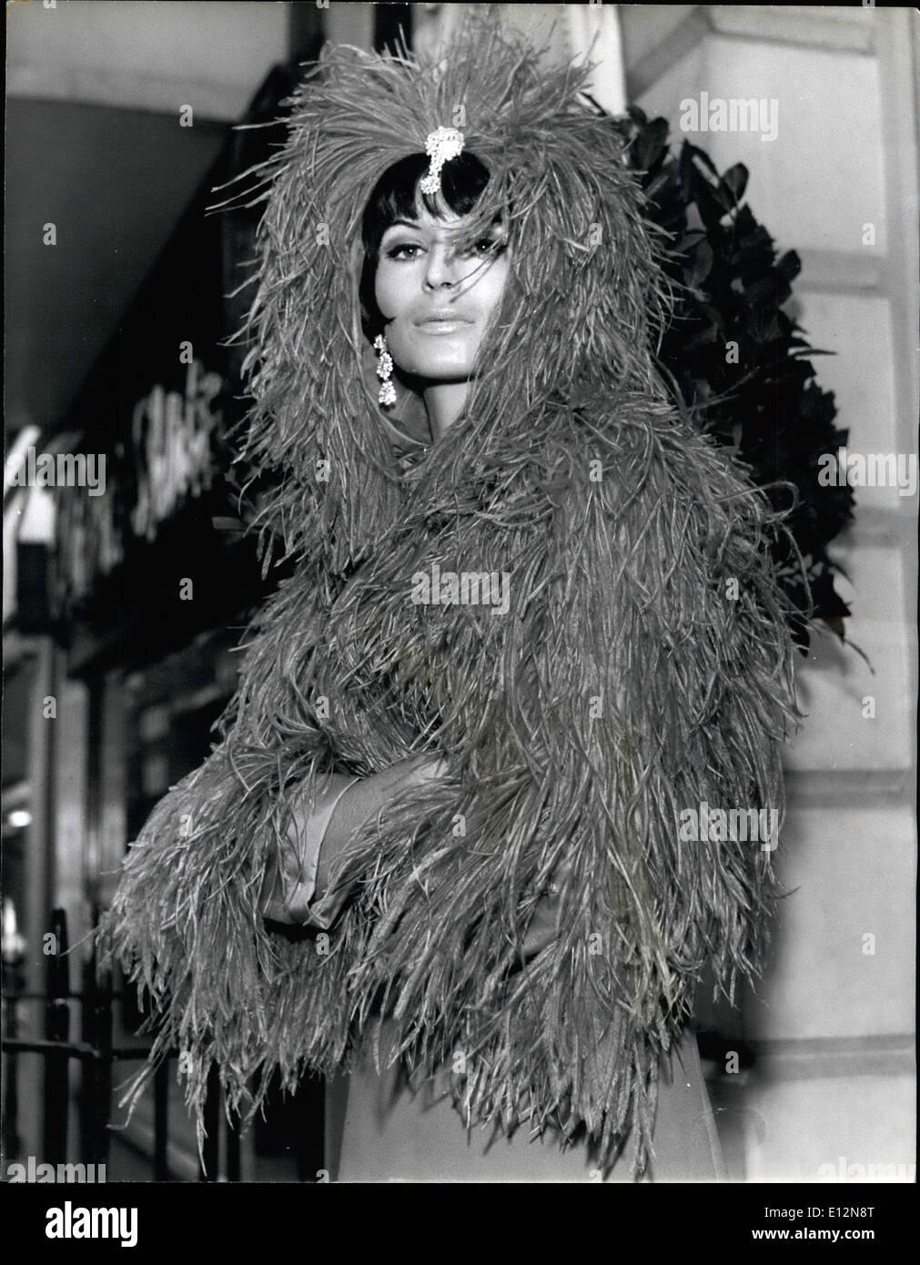 24 février 2012 - collection automne hiver sur show à Londres. Christian  Dior   716e2800c25