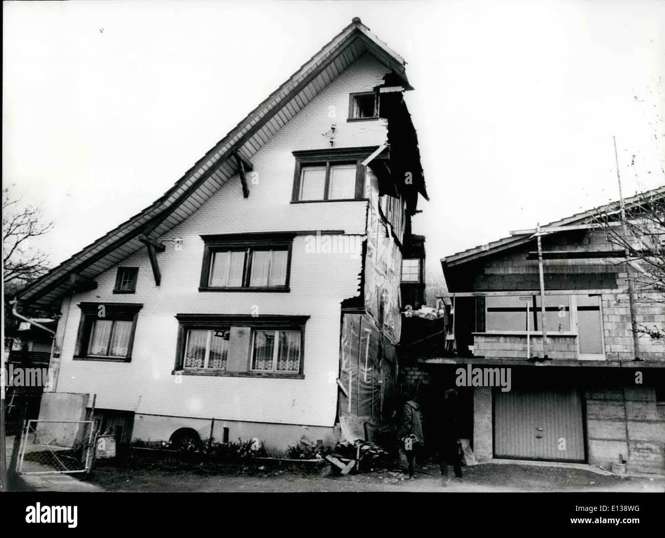 29 février 2012 - La moitié de la moitié de l'ancien et nouveau: pendant qu'ils construisent leur nouvelle maison Banque D'Images