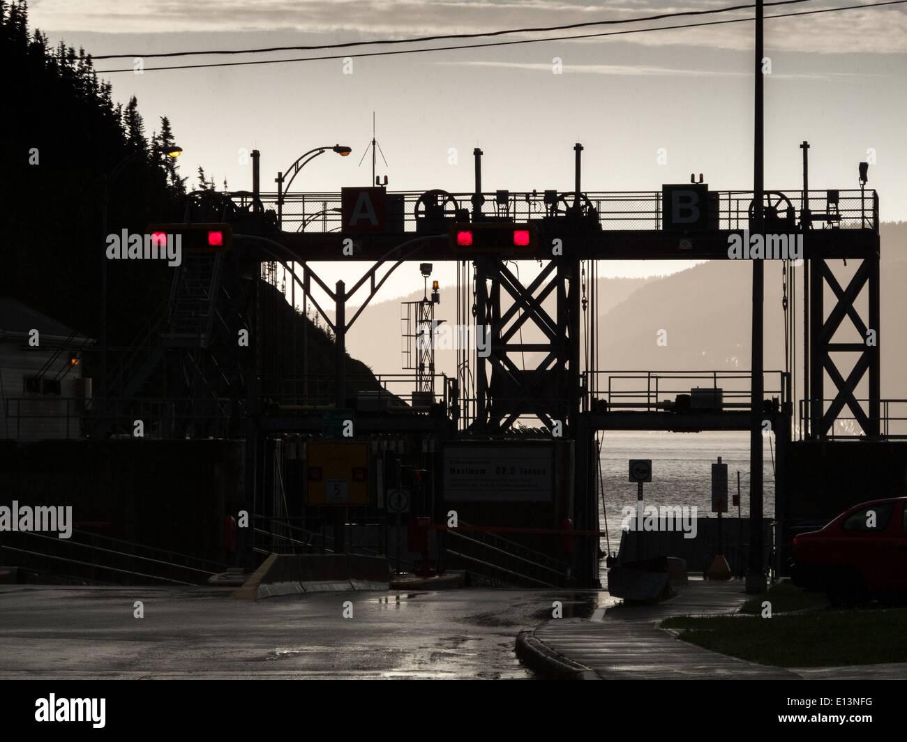 Silhouette d'un port, fleuve Saint-Laurent, Québec, Canada Photo Stock