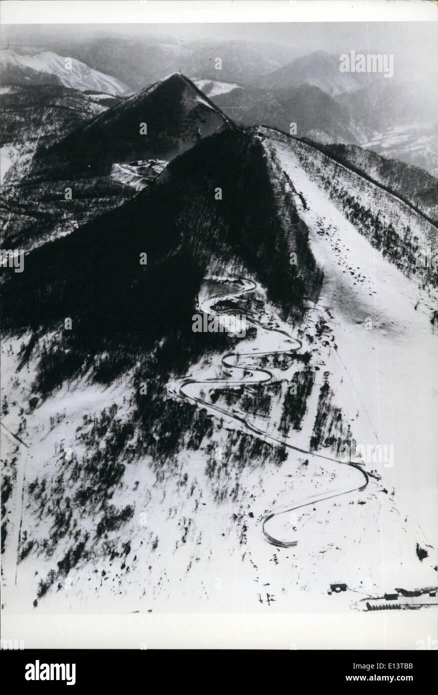 Mar. 27, 2012 - Site pour les Jeux Olympiques d'hiver de 1972. Quatorze sites pour les Jeux Olympiques d'hiver de 1972 ont été sélectionnées dans Sappero Ville, et montagnes à proximité de Hokkaido, Japon;s le nord de l'île, et la plupart des préparatifs sont déjà en cours de remodelage et de construire les différents sites pour le grand événement. Photo montre: la Luge Fujino - ce sera la première course de luge régulier mis en place au Japon, sur les pentes d'une montagne à 15 kilomètres au sud-ouest de la ville de Sapporo, sur un site adjacent au sol. Ski Fujino Photo Stock
