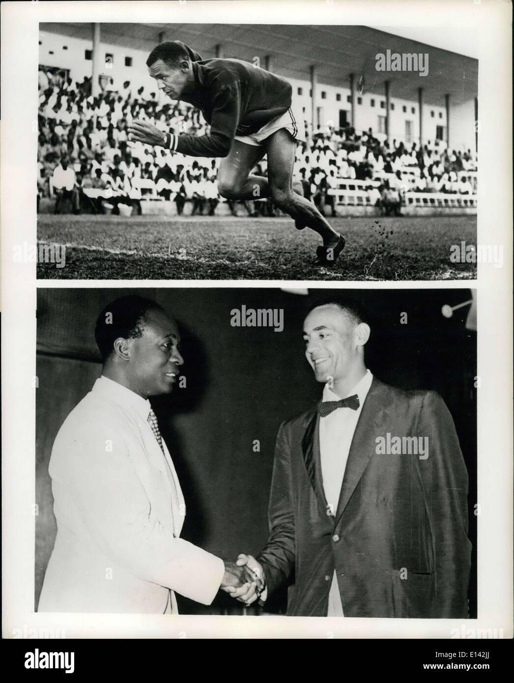 31 mars 2012 - L'athlète de l'année aux États-Unis Afrique Visites; Mal Whitfield, demi-miler américain récemment présenté avec le James E. Photo Stock