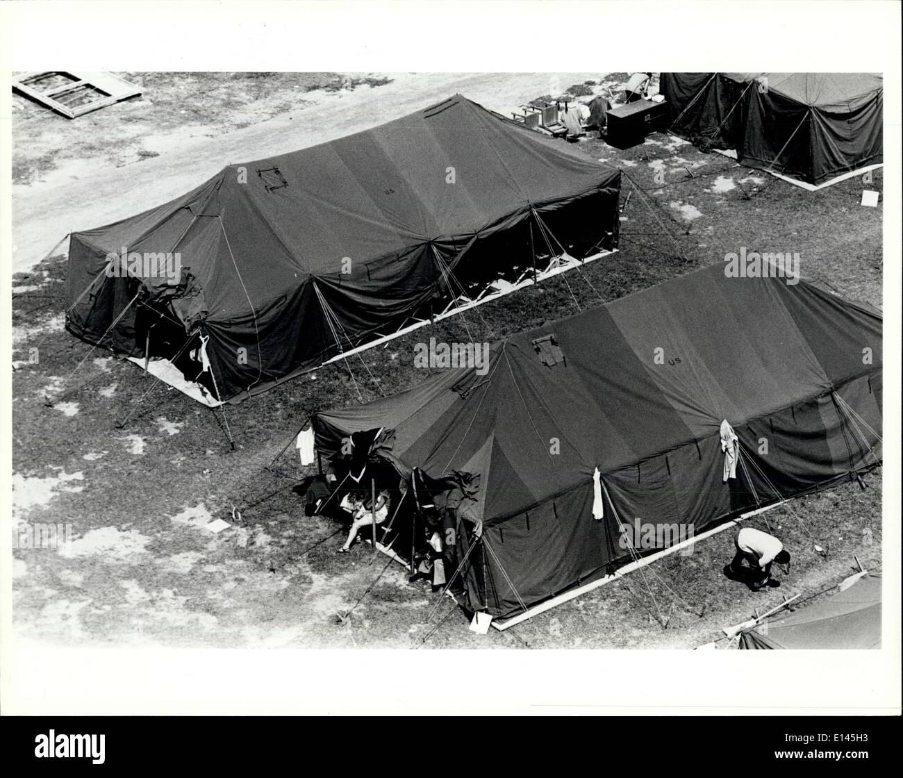 Avril 04, 2012 - Tent City, le parc des expositions à Fort Walton Beach en Floride. Le centre de traitement pour les réfugiés cubains envoyés à partir de Banque D'Images