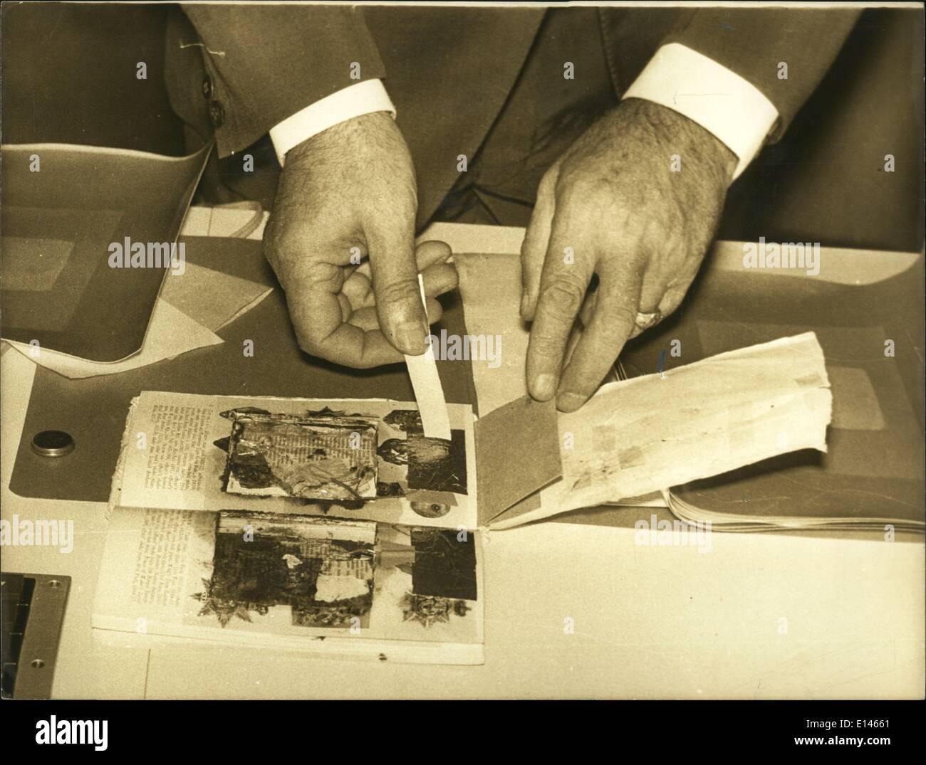16 avril 2012 - Lettre piégée à l'ambassade britannique à Paris.: Heureusement la bombe a été découvert et démantelé sans que personne Photo Stock