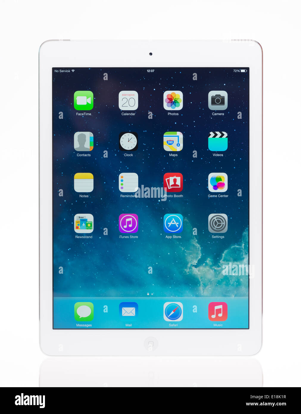 Studio shot of brand new Apple iPad blanc, l'air comprimé numérique la plus avancée dans le cadre de la ligne de l'iPad Photo Stock