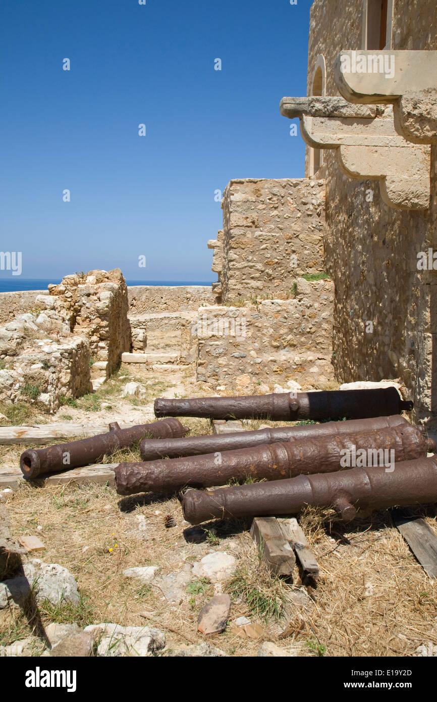 En dehors des conseillers les canons en résidence fortetza, Rethymnon, Crète. Banque D'Images