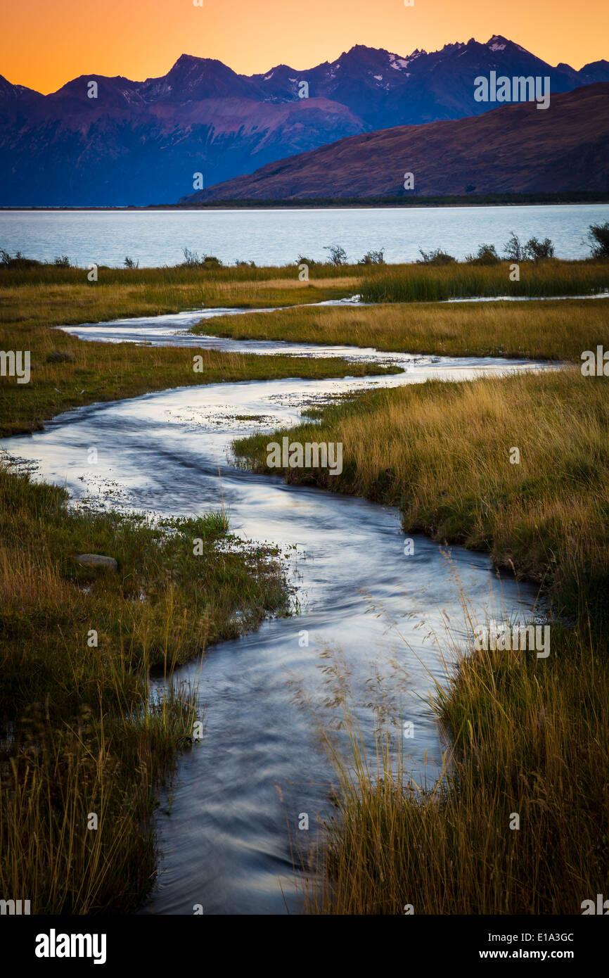 Petit ruisseau au Lago Viedma, en Patagonie, Argentine. Photo Stock