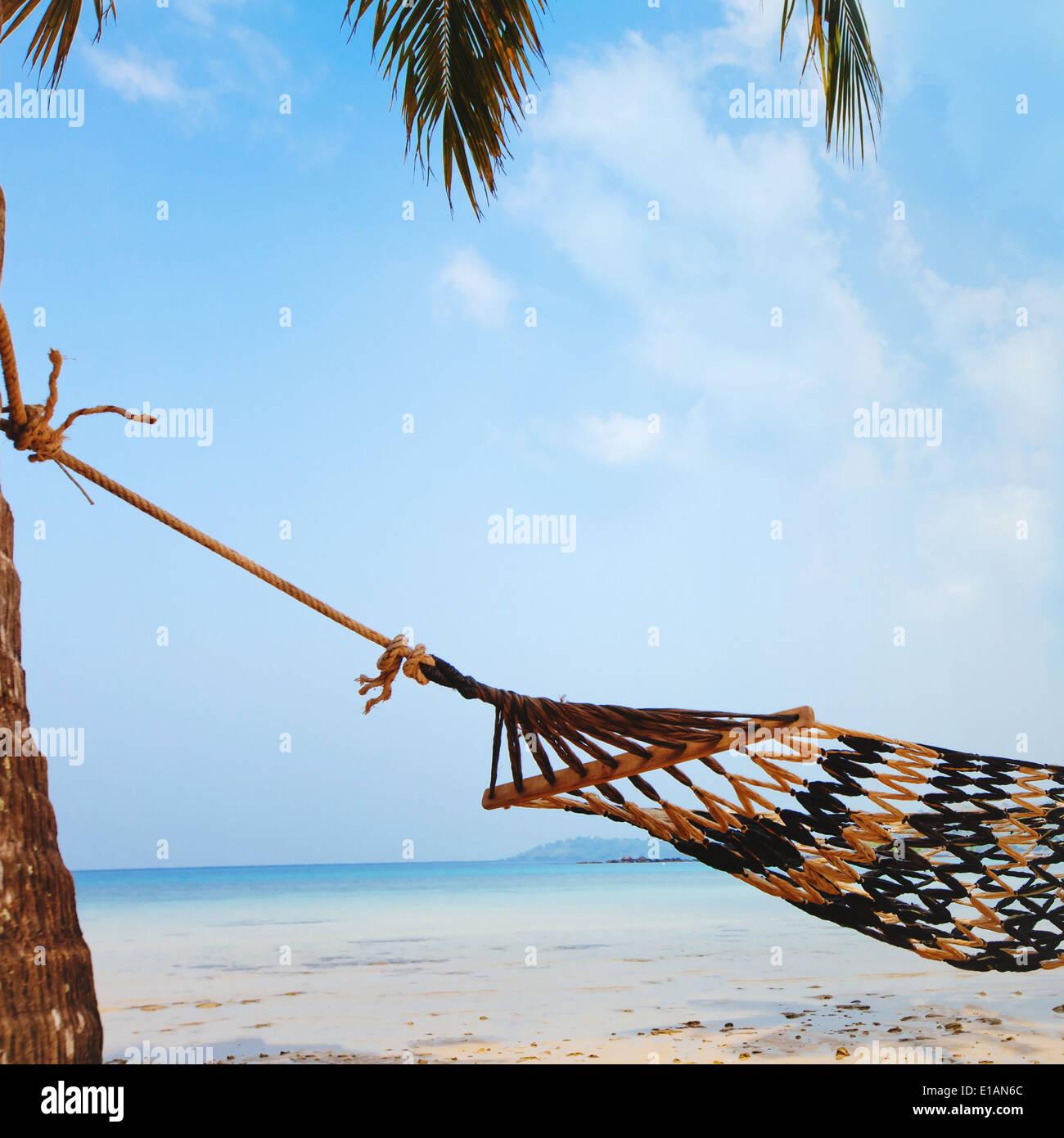 Détente sur la magnifique plage tropicale, vacances Photo Stock