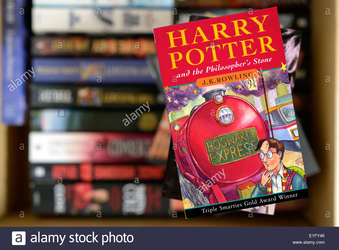 Harry Potter Et La Pierre Philosophale Par J K Rowling