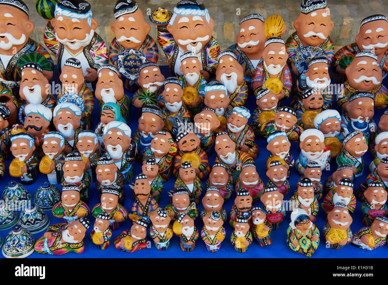 L'Ouzbékistan, Boukhara, patrimoine mondial de l'UNESCO, de l'artisanat pour les touristes Photo Stock