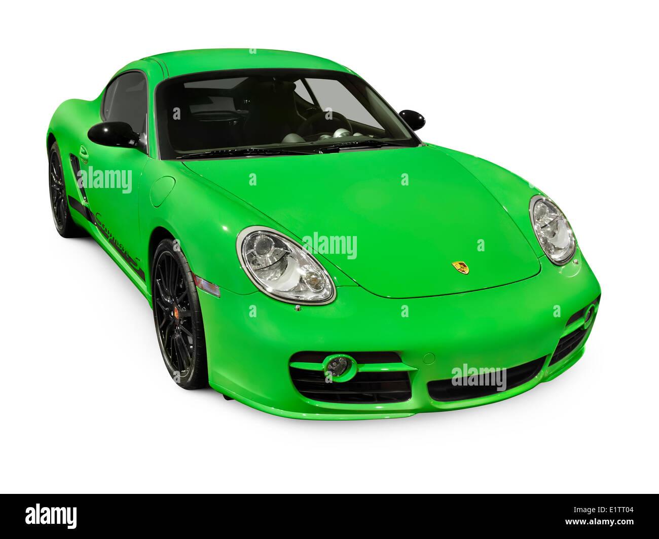 green 2008 porsche cayman s voiture de sport sport isol sur fond blanc banque d 39 images photo. Black Bedroom Furniture Sets. Home Design Ideas