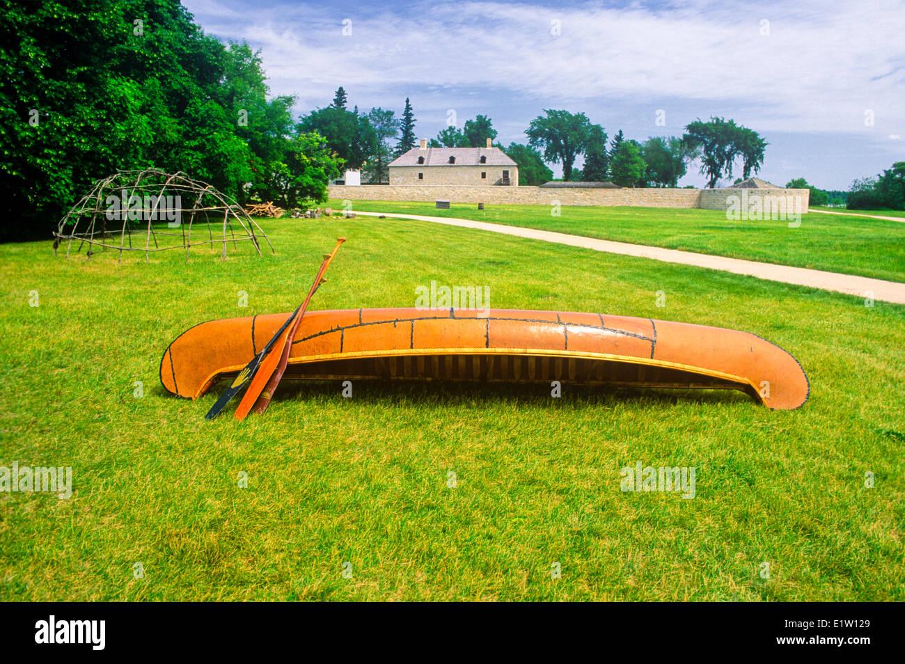 Canot en écorce de bouleau, Lieu historique national de Lower Fort Garry, Manitoba, Canada Photo Stock