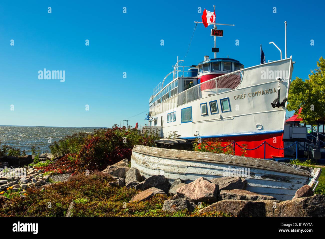 Bateau d'excursion, chef Commanda, du secteur riverain, Ontario, Canada Photo Stock