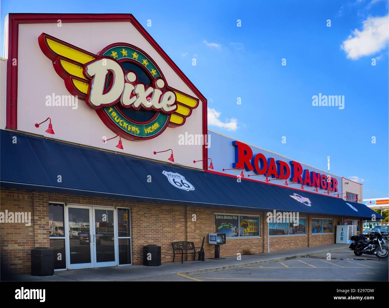 Dixie Truckers Home historique est un arrêt de camion sur la Route 66 dans la région de McLean, l'Illinois. Banque D'Images