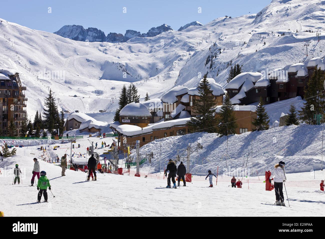 France, Haute Savoie, Avoriaz, interdit aux véhicules, ce qui permet se déplace en traîneau Photo Stock