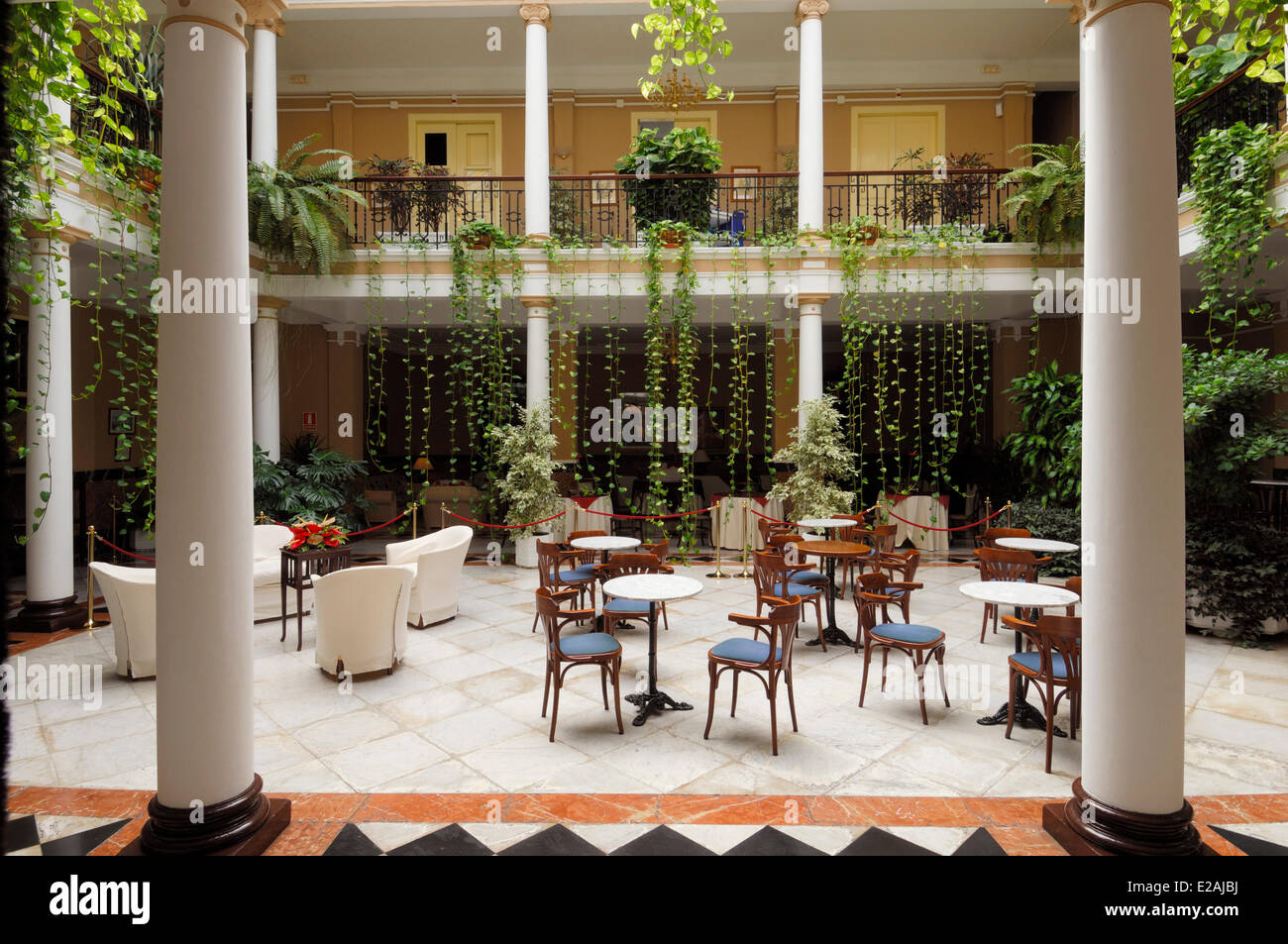 L'Espagne, Iles Canaries, Tenerife, La Laguna, patio et hall de l'hôtel Aguere Photo Stock