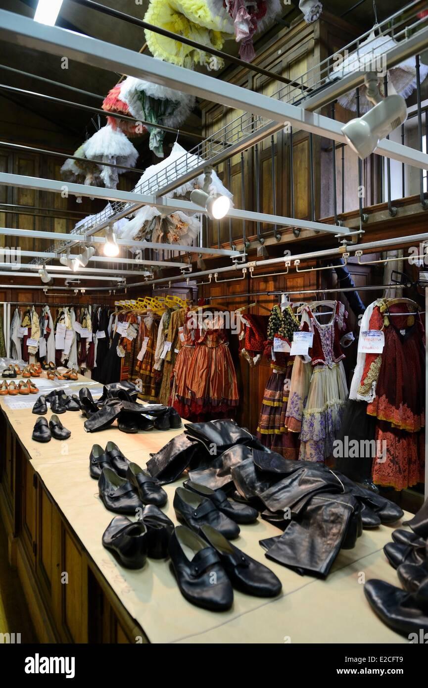 France, Paris, Opéra Garnier, des ateliers de costumes, les costumes (centrale centrale des costumes) Photo Stock