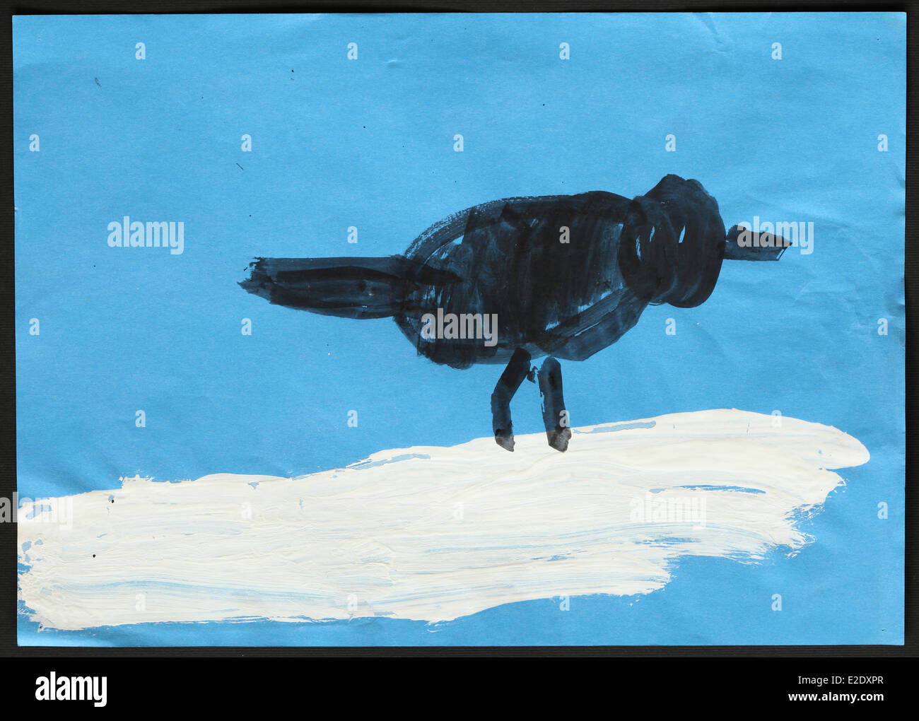 Dessin Denfant Dorigine Dun Oiseau Noir Sur Blanc Neige