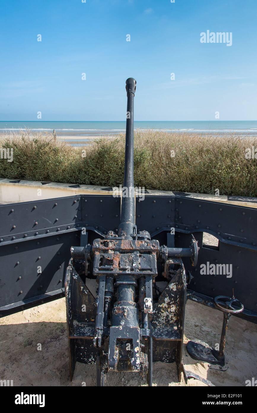 France Manche Sainte Marie du Mont Utah Beach museum german 50mm canon antichar sur w5 point fort soutenant le mémorial Banque D'Images