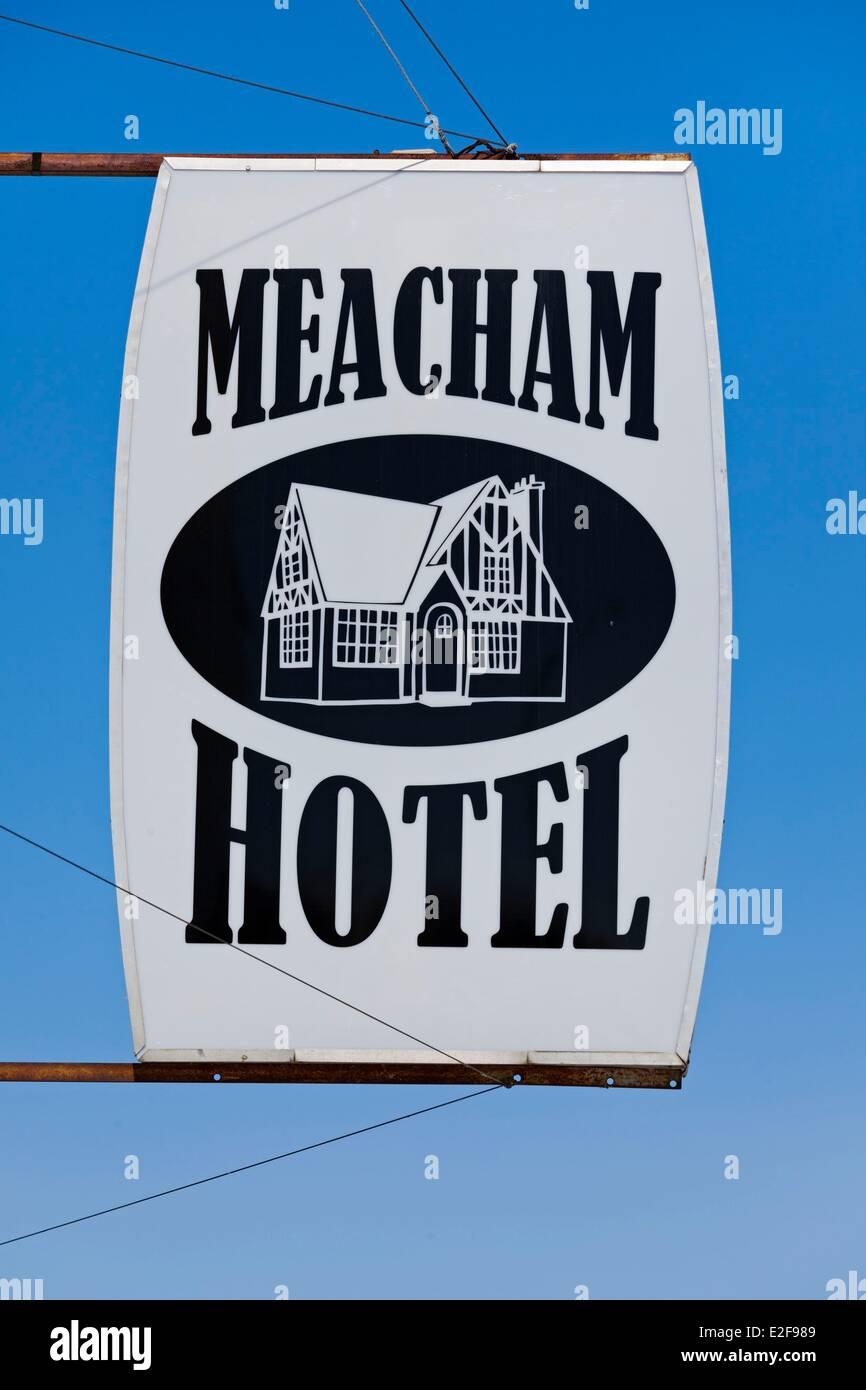 Le Canada, de la Saskatchewan, région rurale en hiver, le village de Meacham, hotel sign Photo Stock