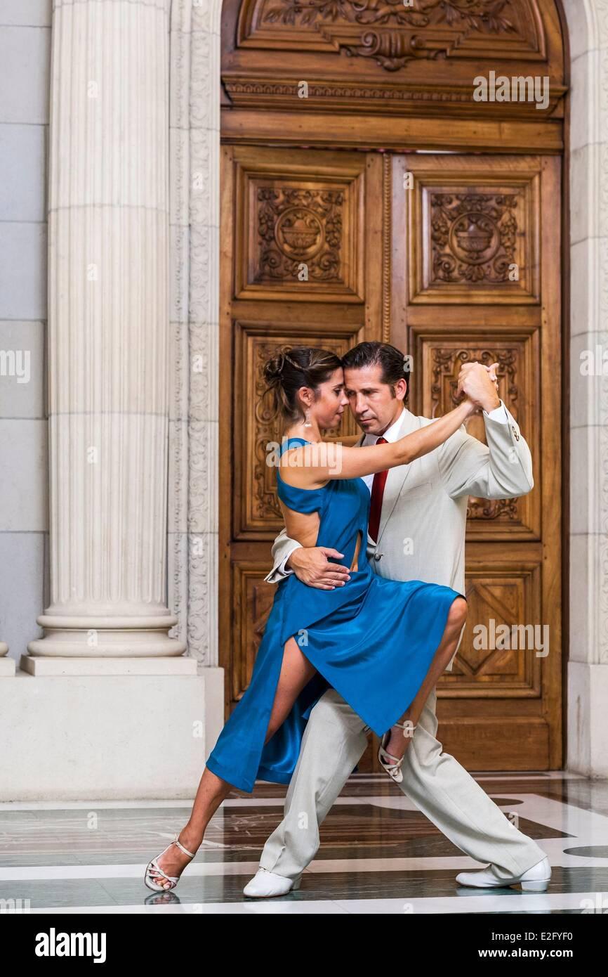 Aller Tango datant