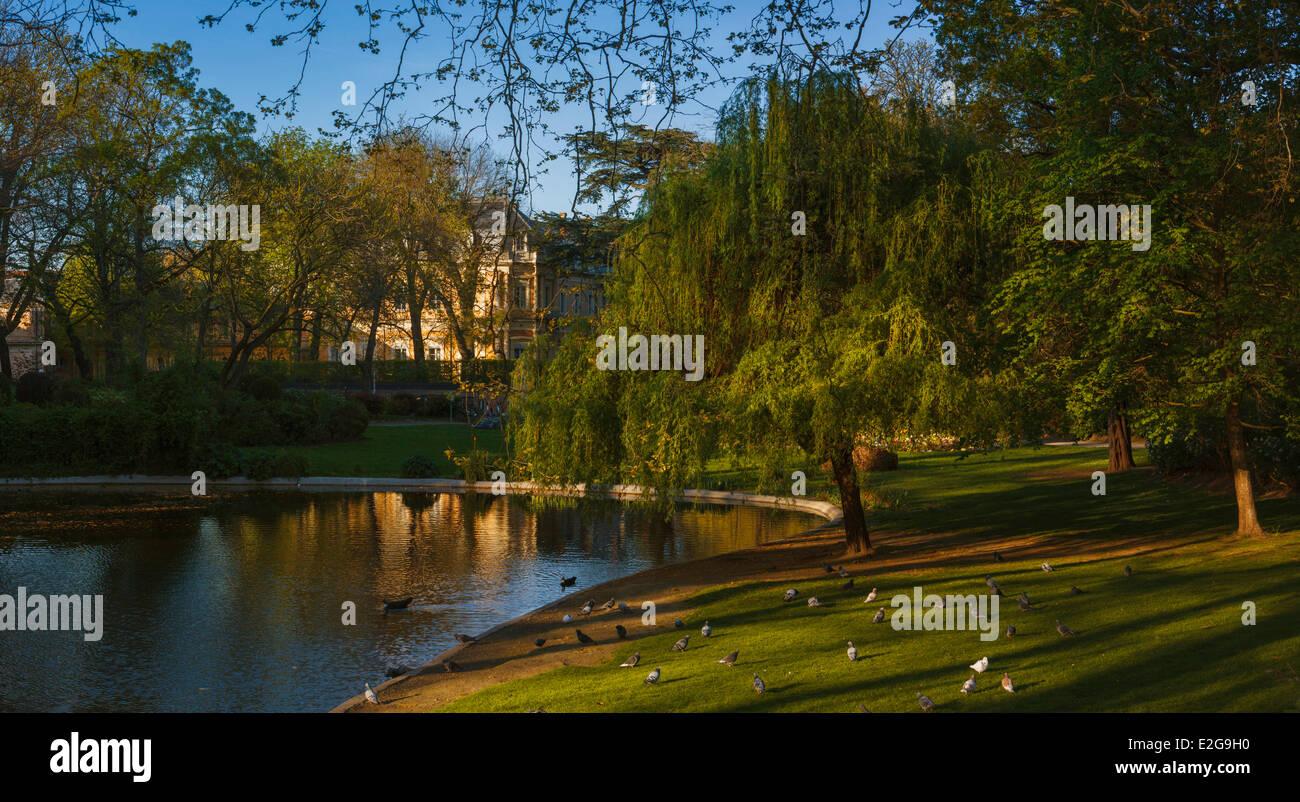France Haute Garonne Toulouse Jardin printemps Royal vue ...