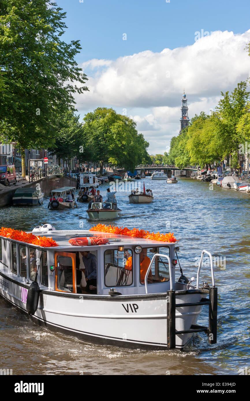 Canal Prinsengracht Amsterdam avec de l'eau bateau taxi VIP Photo Stock