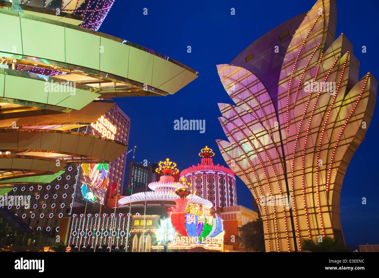 Casinos à Macao; Chine; de nuit Photo Stock